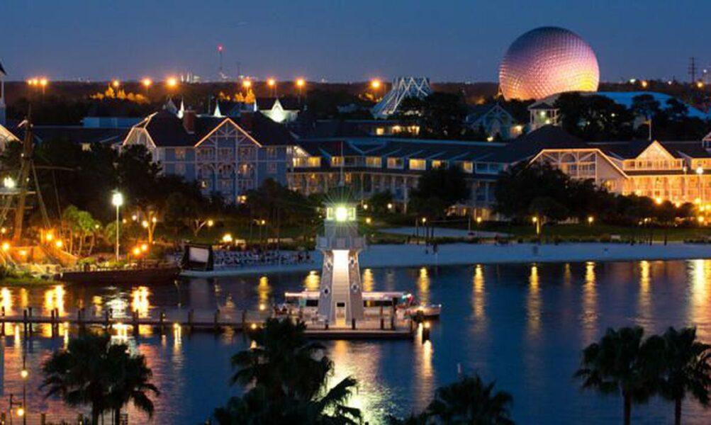 Disney é pressionada a adiar reabertura de parques da Flórida