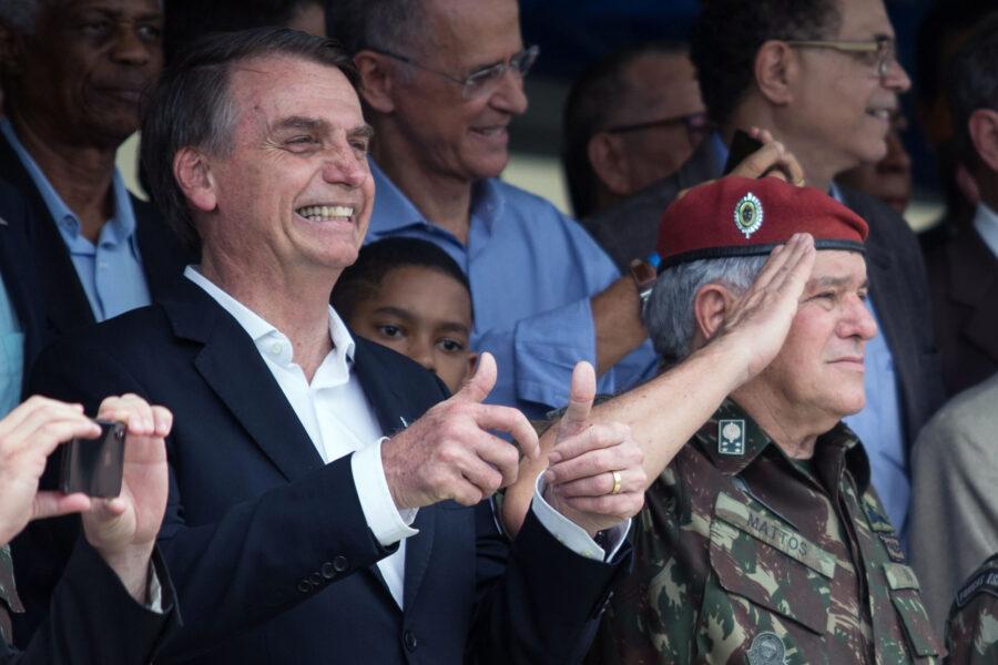 """Presidente do Santos diz que presença de Bolsonaro na Vila é difícil: """"Muitos compromissos"""""""