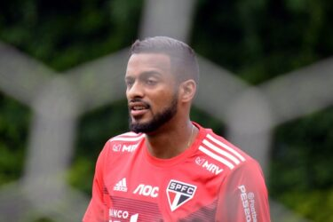 Com Reinaldo, São Paulo finaliza preparação para enfrentar o Ceará