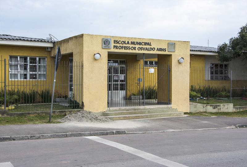 Rede municipal já recebeu mais de mil estudantes de escolas privadas, em Curitiba