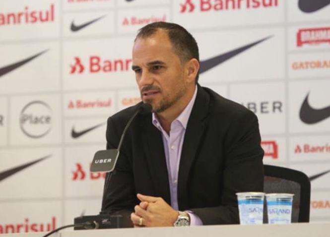 Diretor do Inter comenta situação de Guerrero e promete contratar atacantes