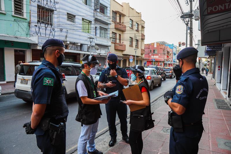 Fiscalização interdita 38 locais no fim de semana com maior número de mortes em Curitiba