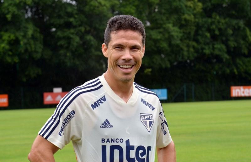 Sport encaminha contratação de Hernanes até o final do ano