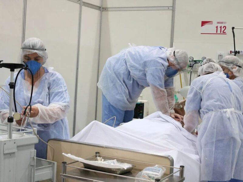 Curitiba tem 85% dos leitos SUS de coronavírus ocupados e recordes de mortes e novos casos