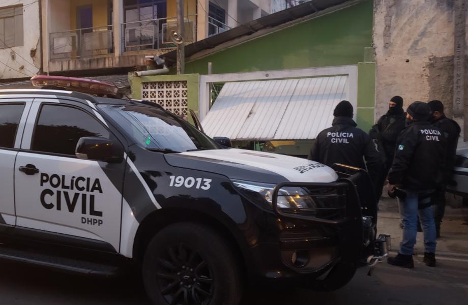 Polícia prende suspeitos de matarem jovem que negou entregar a casa para o tráfico de drogas