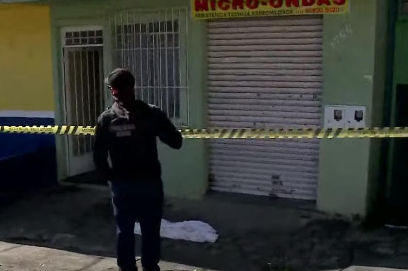 Homem é esfaqueado dentro de pensão e morre na Vila Guaíra, em Curitiba