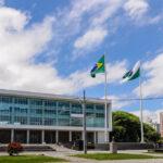 Governo do Paraná vai reavaliar abertura de shoppings e igrejas