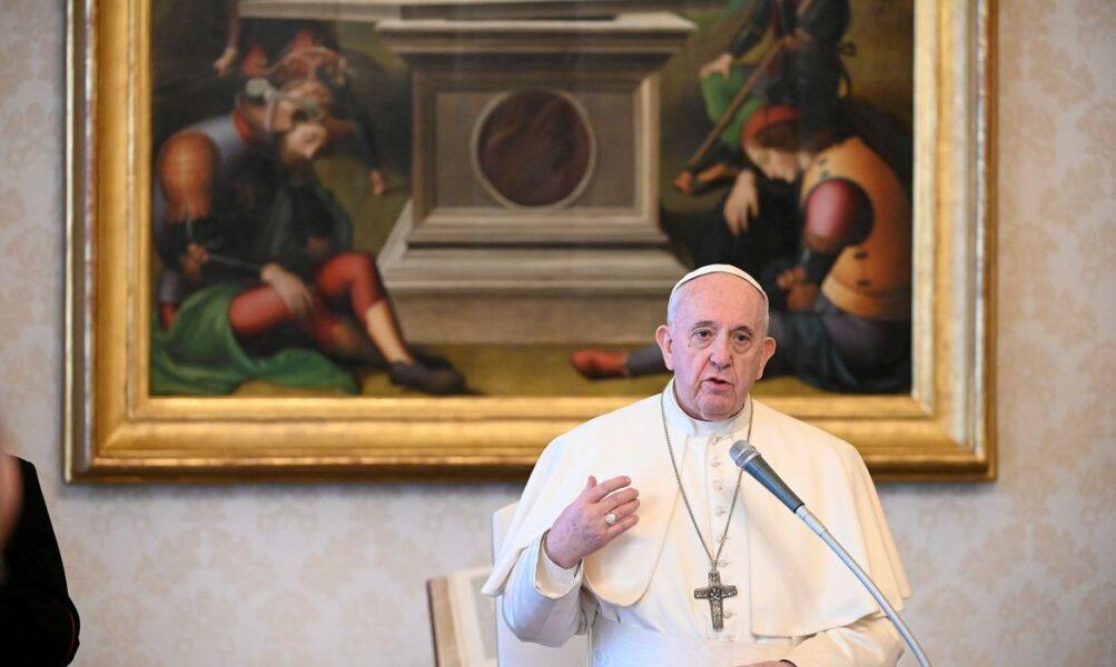 Papa afirma que pessoas são mais importantes do que a economia
