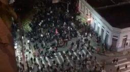 Seis pessoas permanecem presas após depredação durante protesto em Curitiba