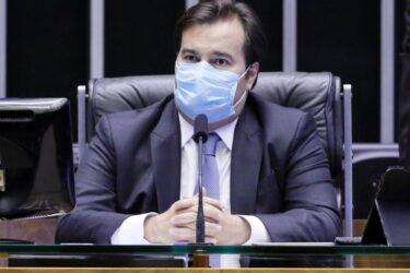 Mandatos de prefeitos e vereadores não devem ser prorrogados, diz Rodrigo Maia