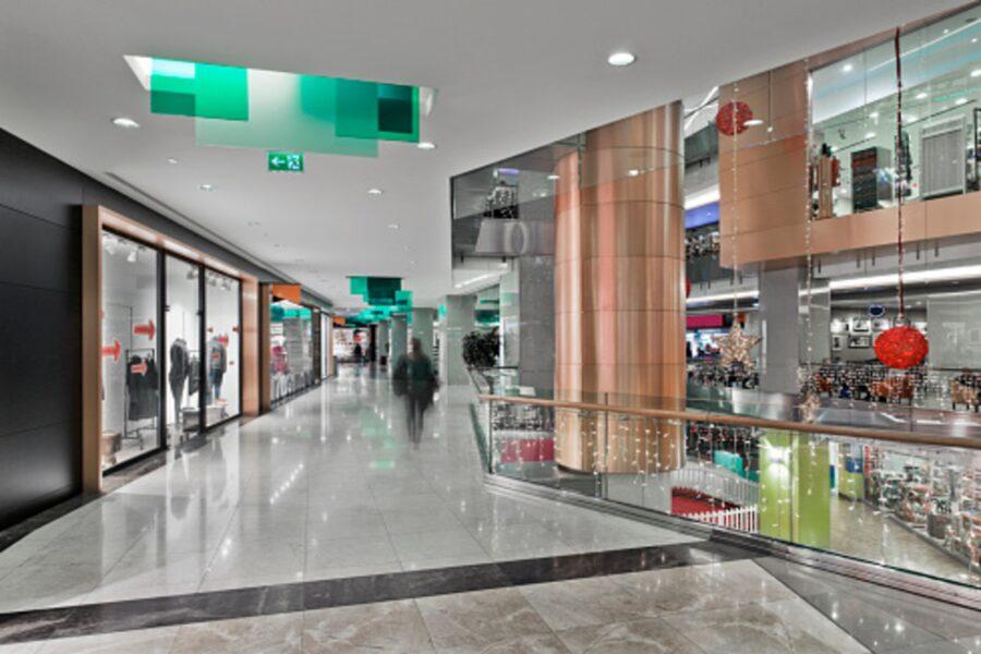 Faturamento de shoppings despenca depois da reabertura