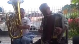 Emocionado, idoso pede que ladrão devolva seus instrumentos musicais roubados