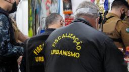 Operação AIFU fecha comércio e apreende contrabando em Curitiba