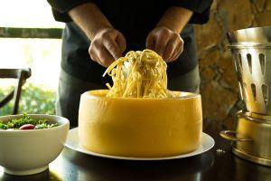 Restaurante ensina receita de Spaguetti no Formaggio em live nesta sexta-feira!