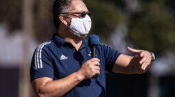 """Rogério Micale fala sobre mentalidade ofensiva na base do Cruzeiro: """"É o DNA do clube"""""""