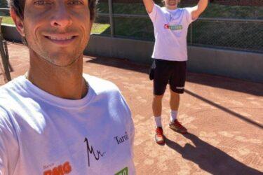 Marcelo e Daniel Melo seguem rotina de treinos para retorno do circuito de tênis em agosto