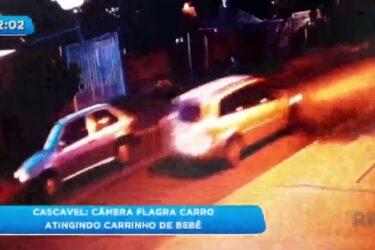 Câmera flagra carro atingindo carrinho de bebê