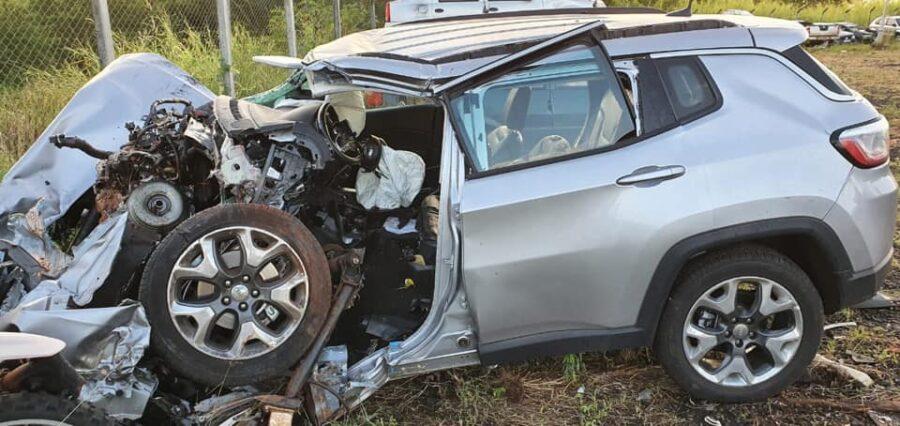 Advogado morre ao bater em árvore na PR 445 em Cambé