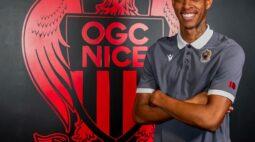 Athletico negocia dívida com o Santos pela transferência de Robson Bambu