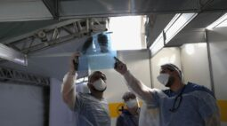 Brasil passa de 70 mil mortes e 1,8 milhão de casos de coronavírus