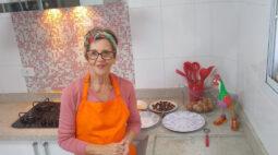 """""""Cozinhando em Libras"""" leva receitas culinárias em linguagem especial"""