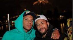 Jogadores do PSG se reúnem para comemorar feriado nacional na França