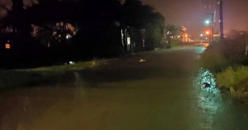 Ciclone que se aproxima do Paraná já causa estragos em Santa Catarina