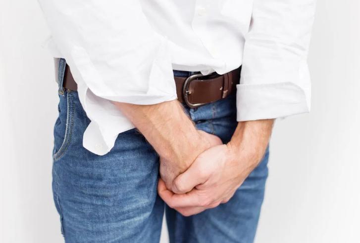 Coronavírus provoca ereção de 4 horas em paciente com 62 anos