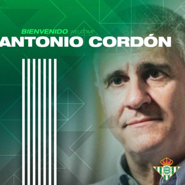 Antonio Cordón chega ao Betis mirando a renovação do clube
