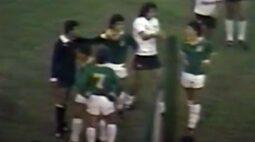 Há 34 anos, jogo do Corinthians teve cartão vermelho para o árbitro