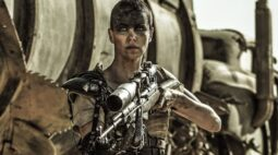 """Mad Max – """"É um pouco difícil de engolir"""" diz Charlize Theron sobre não ser escalada em derivado"""