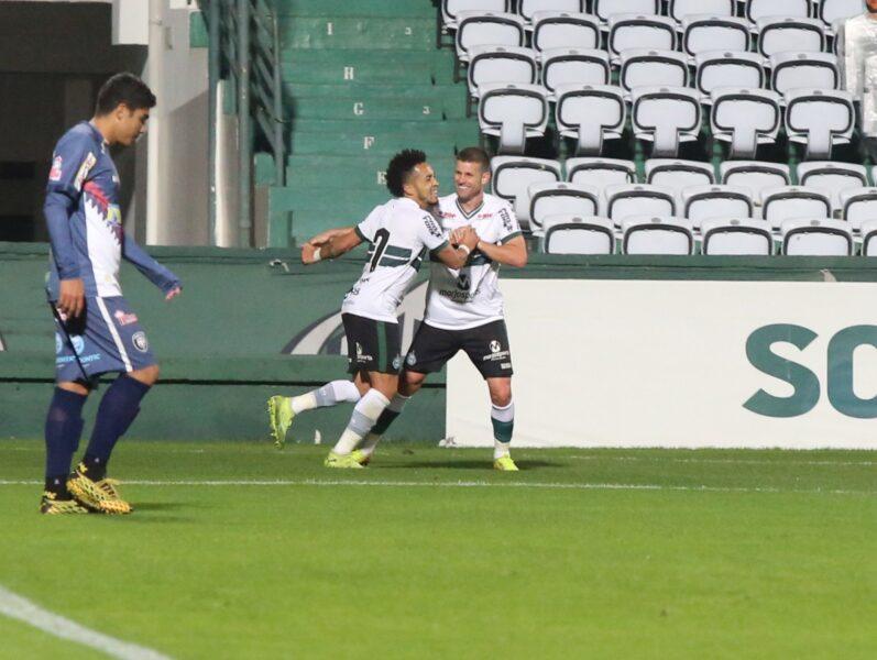 Coritiba vence mais uma vez e fará a final contra o Athletico-PR
