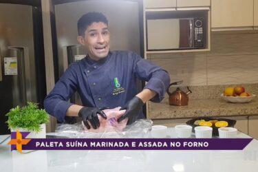 Aprenda a fazer paleta suína marinada e assada no forno