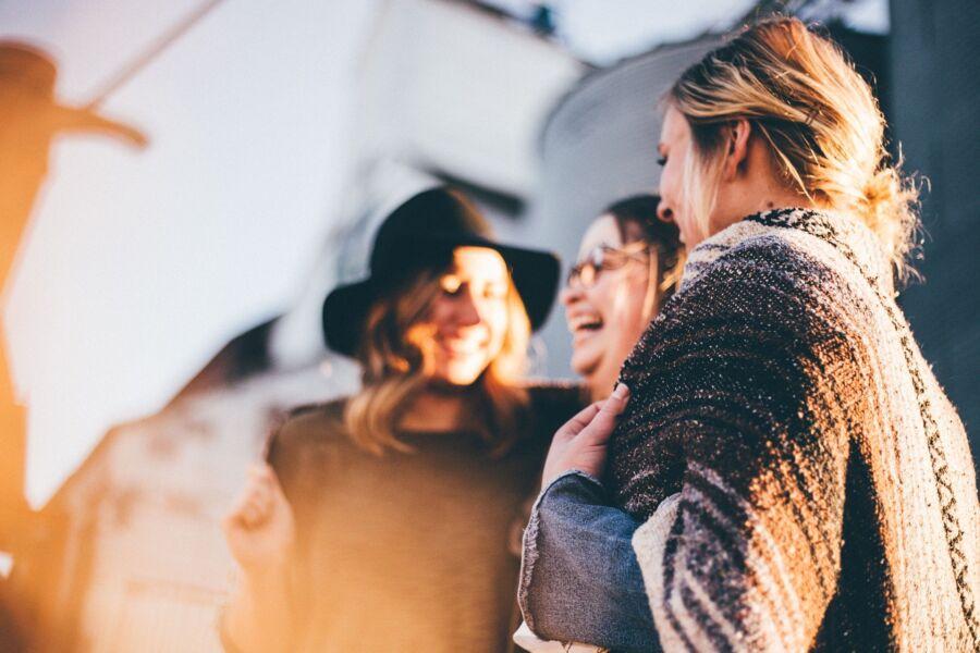 Dia do amigo: como são os signos na amizade