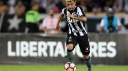 Botafogo está perto de anunciar Victor Luís, do Palmeiras