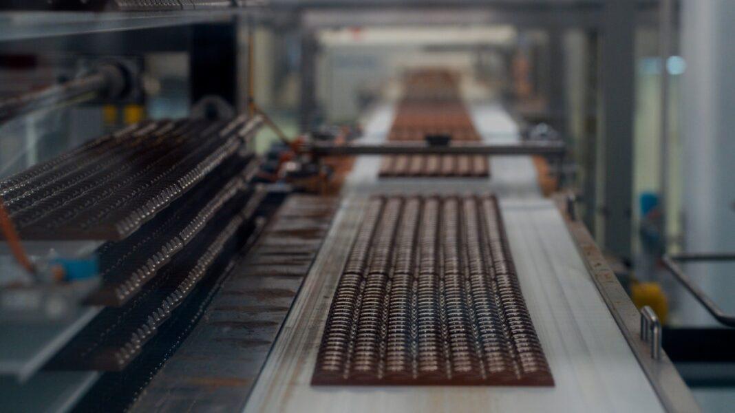 Você sabia que fica em Curitiba a maior fábrica de chocolates do mundo da Mondelez?