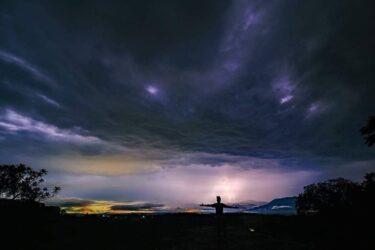 Fotógrafo registra 42 raios numa só foto no México; veja o click