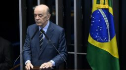 Senador José Serra do PSDB é internado com covid-19