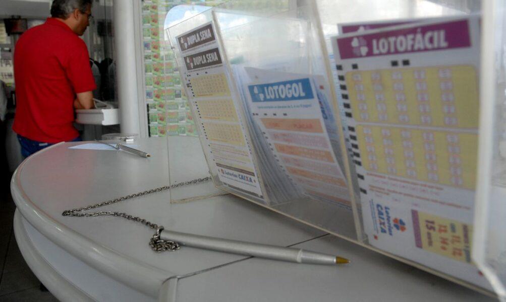 Aposta de Curitiba acerta 15 dezenas da Lotofácil e divide prêmio de quase R$ 2,7 milhões