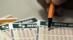 Resultado Mega Sena 2368: veja os números sorteados nesta terça-feira (15)