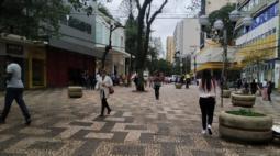 Londrina teve parte do comércio aberto nesta segunda