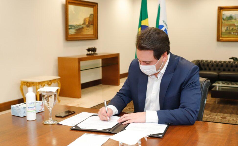 Paraná anuncia R$ 100 milhões para compra de vacina contra coronavírus
