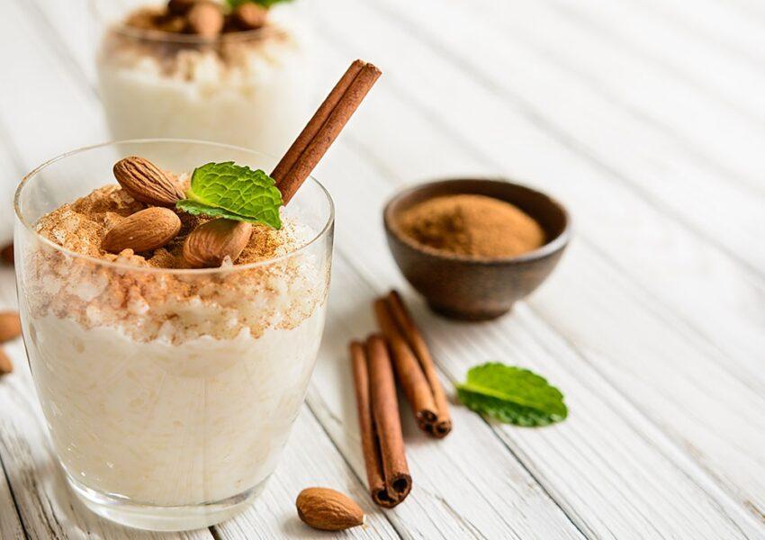 Receita de arroz doce cremoso e simples com leite condensado