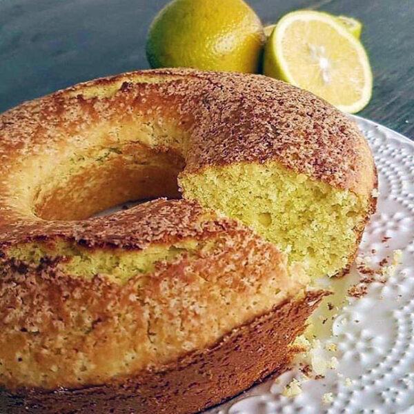 Receita de bolo de laranja com casca, simples e fofinho de liquidificador