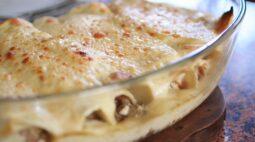 Receita de panqueca simples com carne ao molho branco
