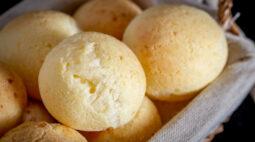 Receita fácil: pão de queijo de liquidificador