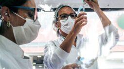 Governo fecha parceria para produzir vacina contra a Covid-19 no Paraná