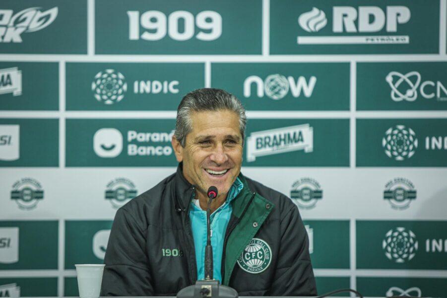 Jorginho é demitido do comando técnico do Coritiba