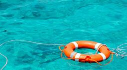 Criança morre afogada em piscina na Grande Curitiba