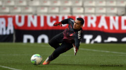 Athletico tenta embalar contra o desfalcado Goiás na Baixada